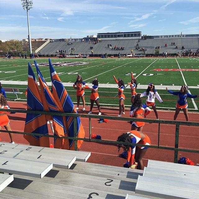 SSU Cheerleaders warming up